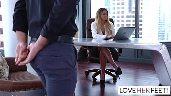 boss creams her blonde female employee in the office