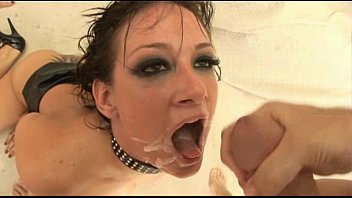 tory lane loves to take the cum in her mouth